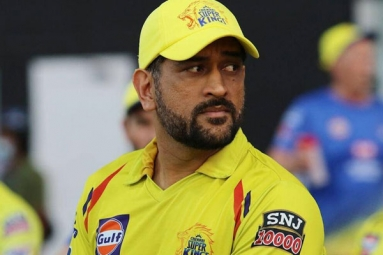 MS Dhoni- Highest Paid Player In IPL's History